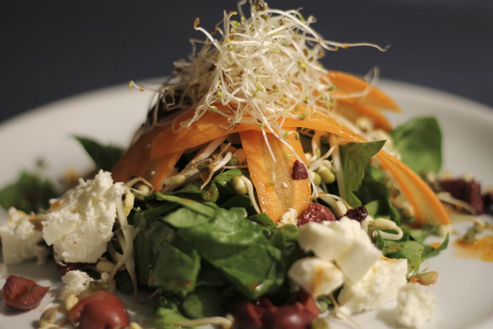Salat Spinat Chilisauce Fetakäse sprossen37.jpg