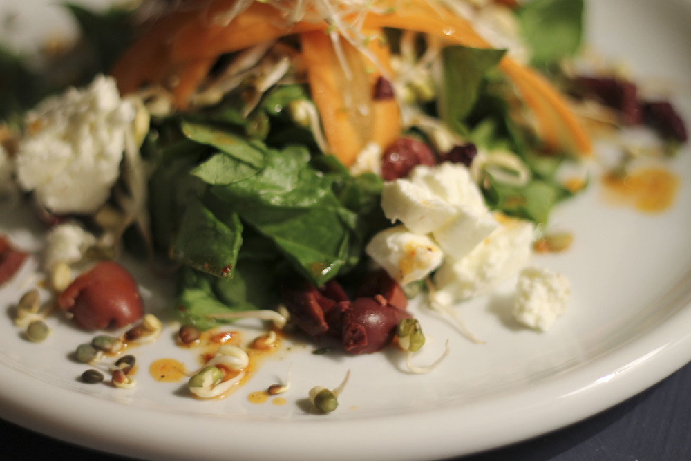 Salat Spinat Chilisauce Fetakäse sprossen39.jpg