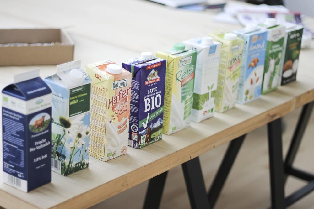 Milch Soja Fettarm Vollmilch Dinkel Hafer Reis H-Milch44.jpg