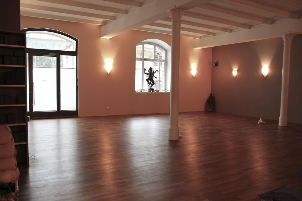 Planet Yoga Zürich Yoga Studio150.jpg