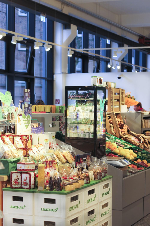 Veganz vegan supermarkt hamburg altona597.jpg