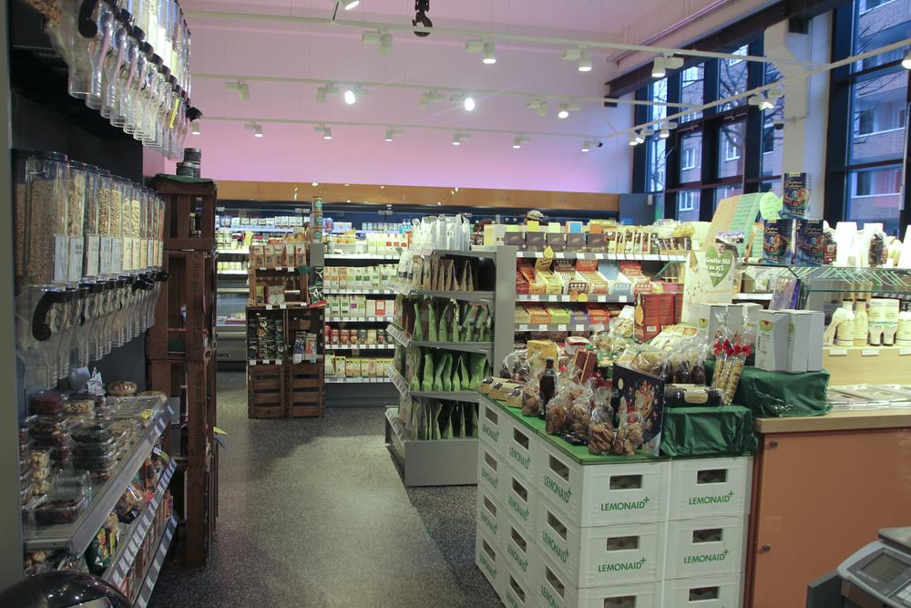 Veganz vegan supermarkt hamburg altona603.jpg