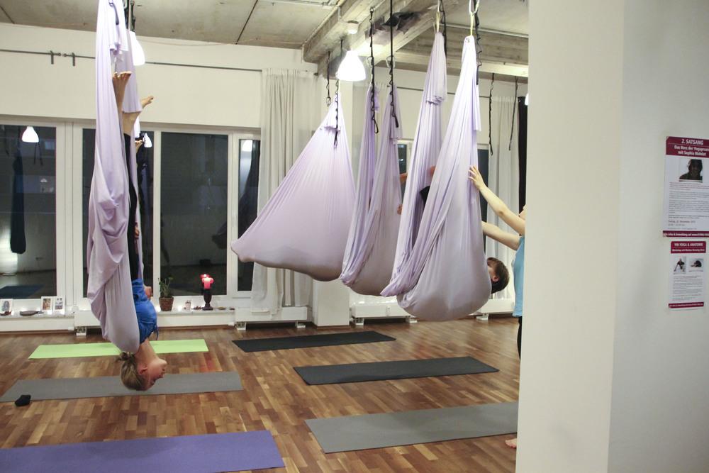 flying yoga studio hamburg aerial anti gravity636.jpg