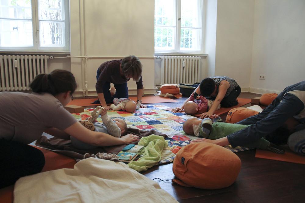 lorna mama+baby yoga berlin moabit802.jpg