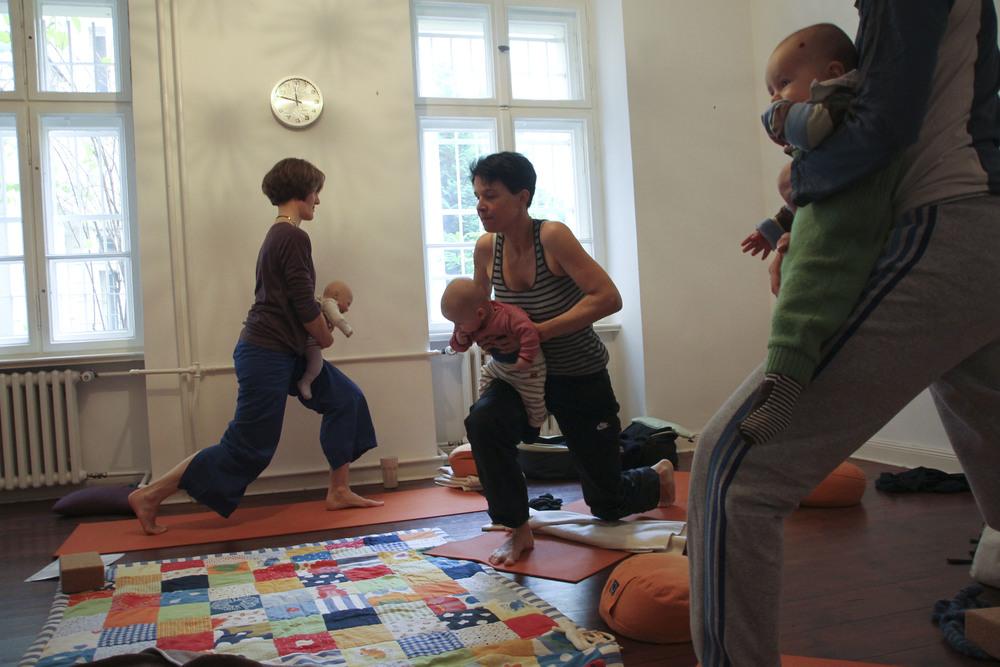 lorna mama+baby yoga berlin moabit803.jpg