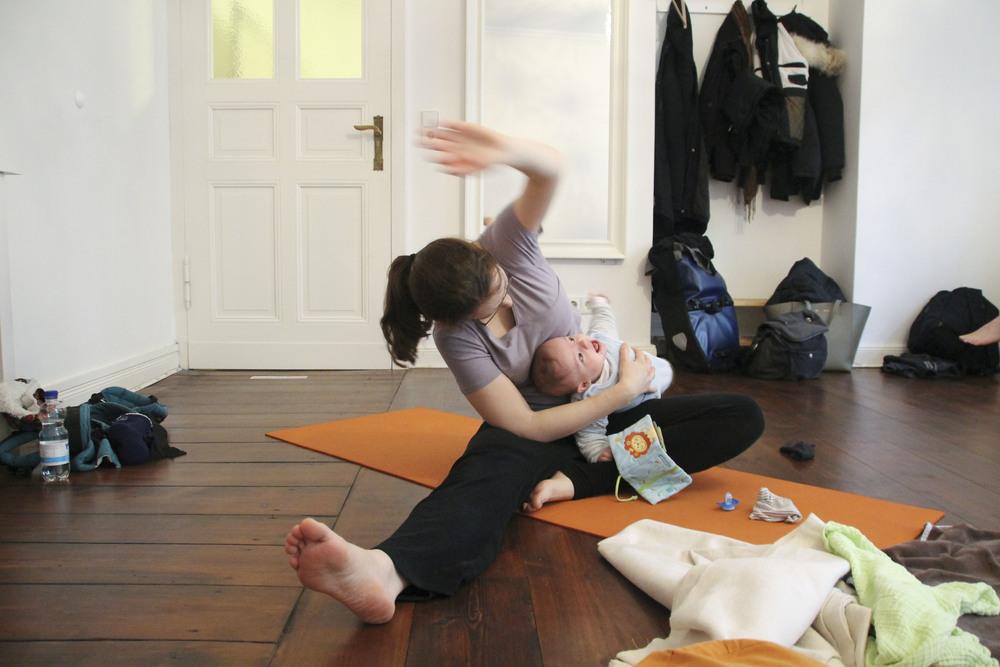 lorna mama+baby yoga berlin moabit804.jpg