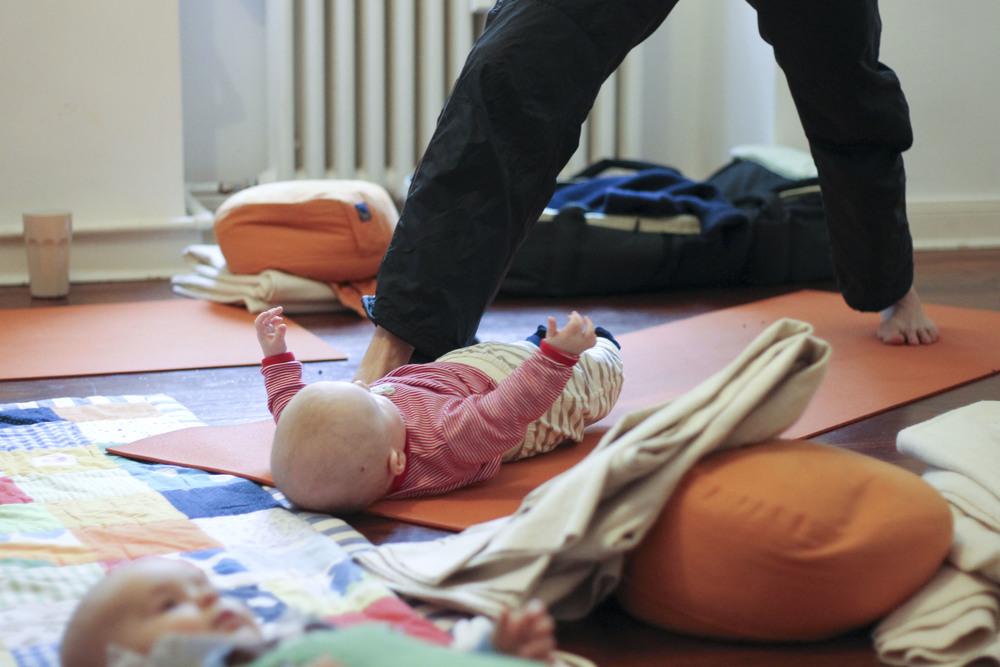 lorna mama+baby yoga berlin moabit800.jpg