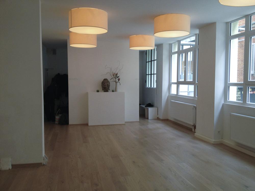 studio besuch in stuttgart yogaloft studio visit in stuttgart yoga loft stuttgart yogatonic. Black Bedroom Furniture Sets. Home Design Ideas