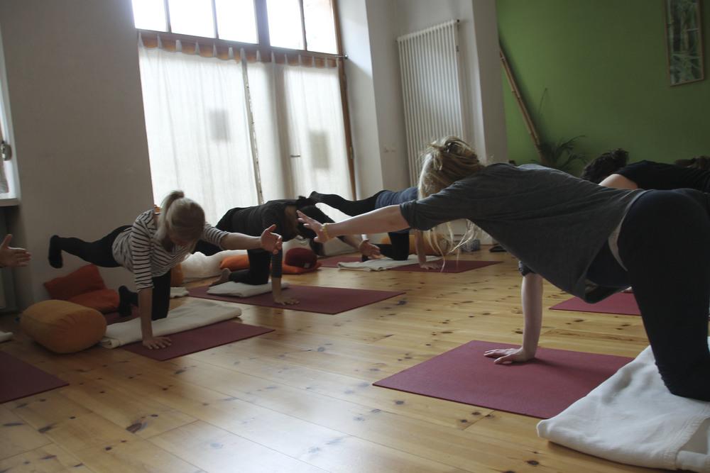 schangerschaftsyoga yogastudio yoga lila berlin prenzlauerberg1228.jpg