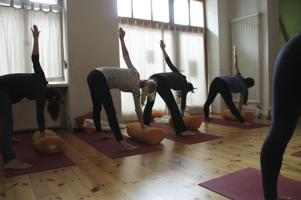 schangerschaftsyoga yogastudio yoga lila berlin prenzlauerberg1230.jpg