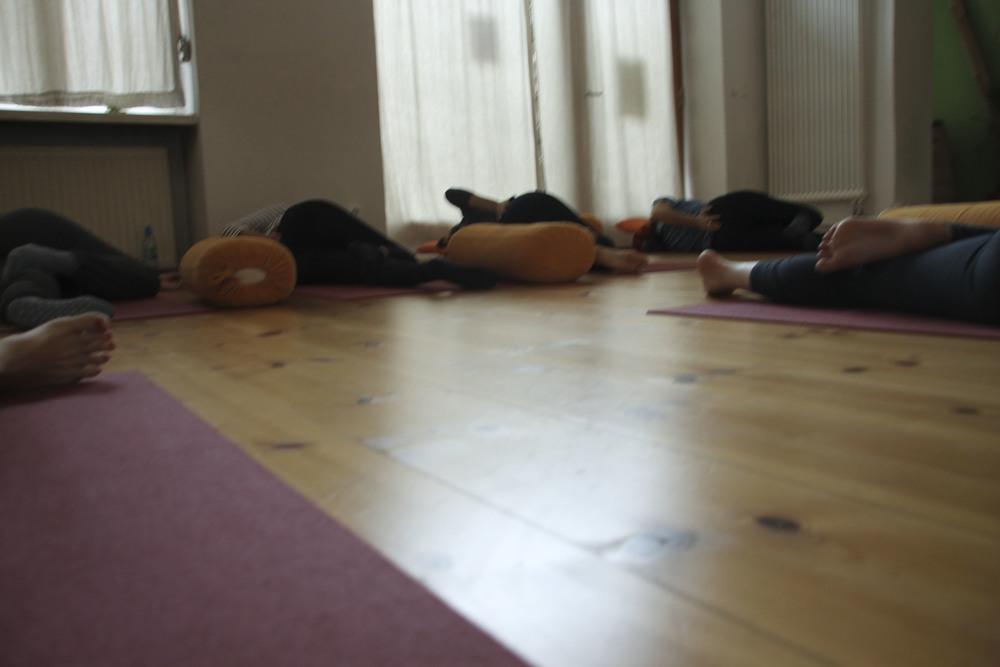 schangerschaftsyoga yogastudio yoga lila berlin prenzlauerberg1231.jpg