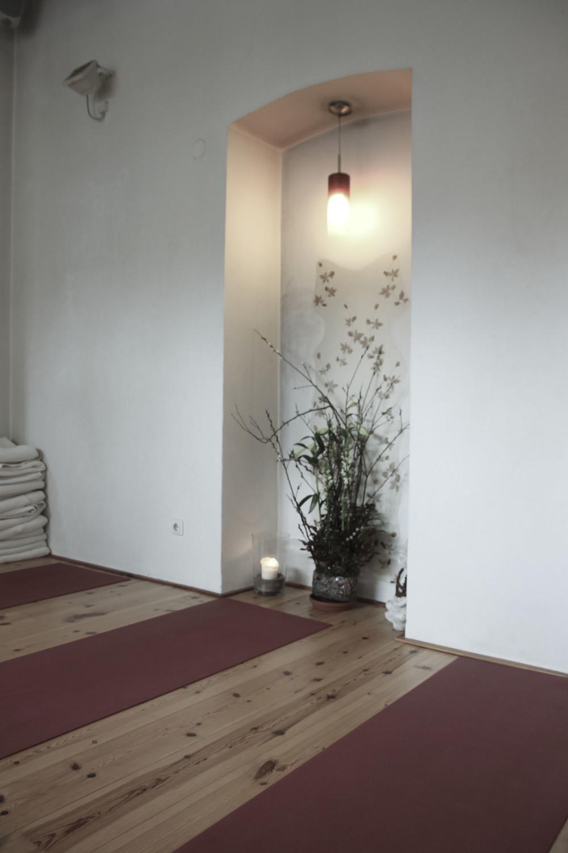 schangerschaftsyoga yogastudio yoga lila berlin prenzlauerberg1234.jpg