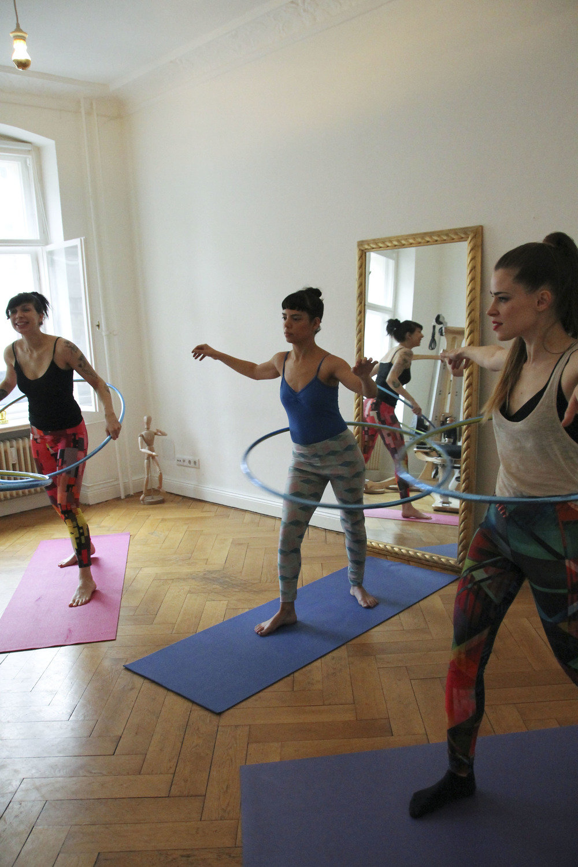 hoop yoga rebecca halls berlin1254.jpg