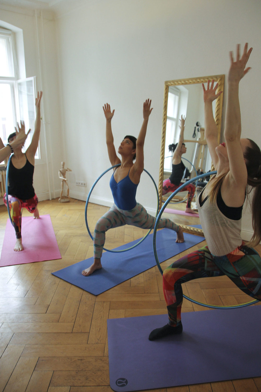 hoop yoga rebecca halls berlin1278.jpg
