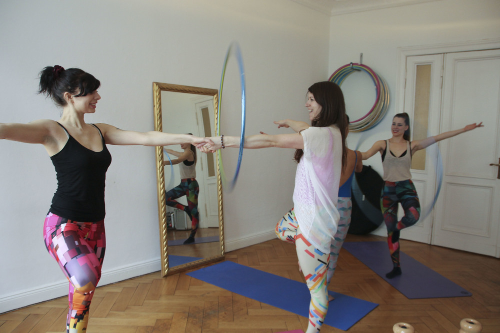 hoop yoga rebecca halls berlin1286.jpg