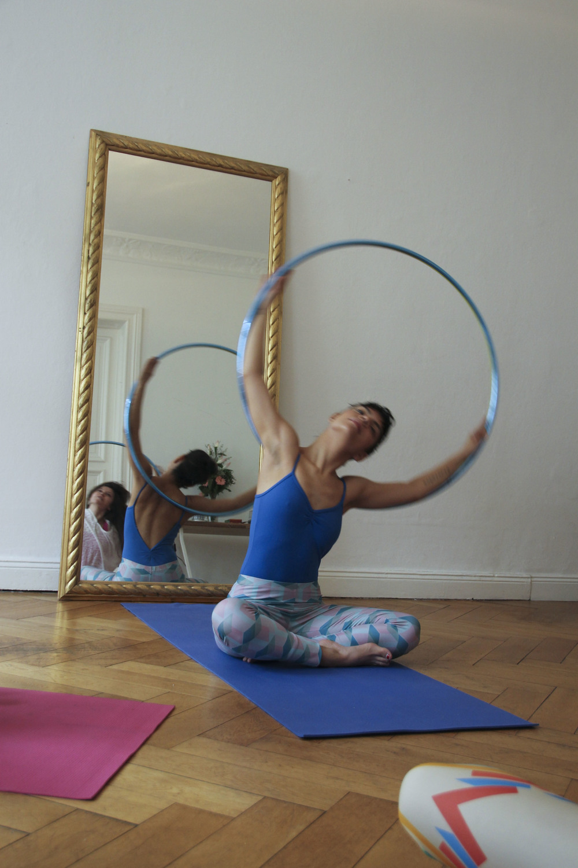 hoop yoga rebecca halls berlin1300.jpg