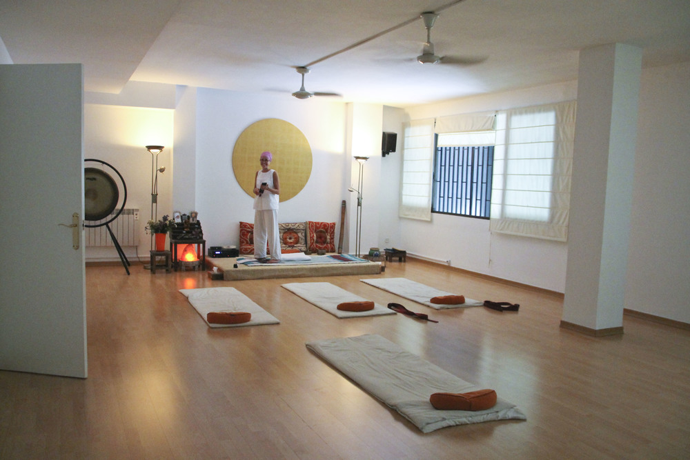 shuniayoga kundalini  yoga studio barcelona2075.jpg