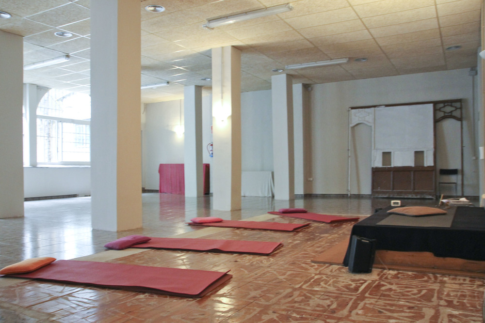 Happy central yoga studio barcelona2036.jpg