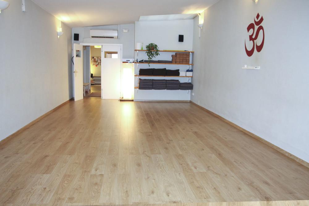Mandiram Gracia yoga studio barcelona2050.jpg