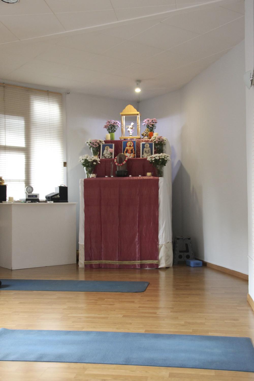 yoga mandir satyam yoga  yoga studio barcelona2078.jpg