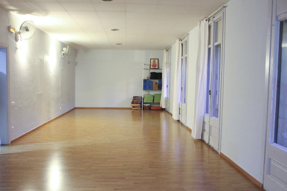 yoga mandir satyam yoga  yoga studio barcelona2085.jpg