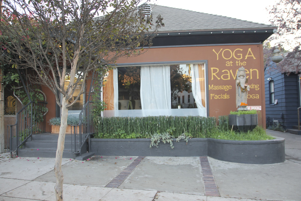 Yoga at the Raven, Silverlake Los angeles California2517.jpg