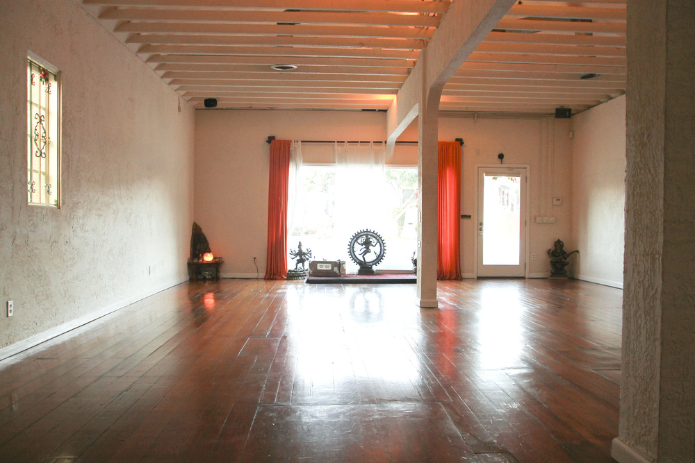 Yoga at the Raven, Silverlake Los angeles California2519.jpg