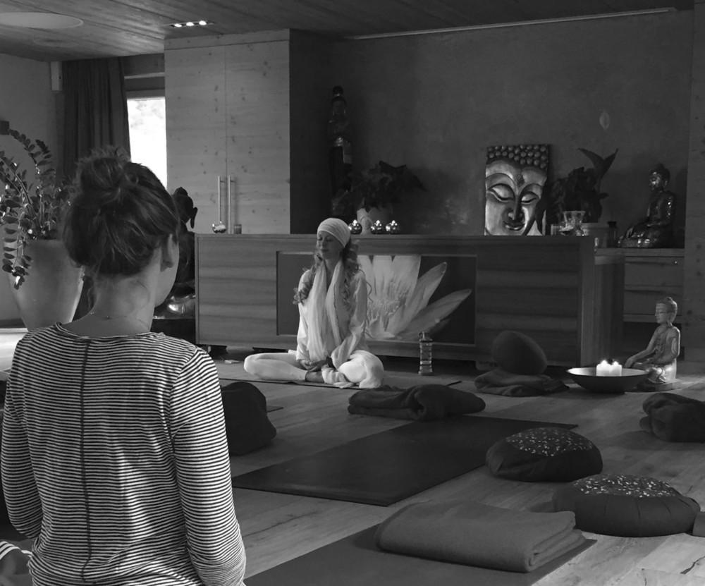 Stock resort Austria Zillertal tirol karina wagner Yoga3573.jpg