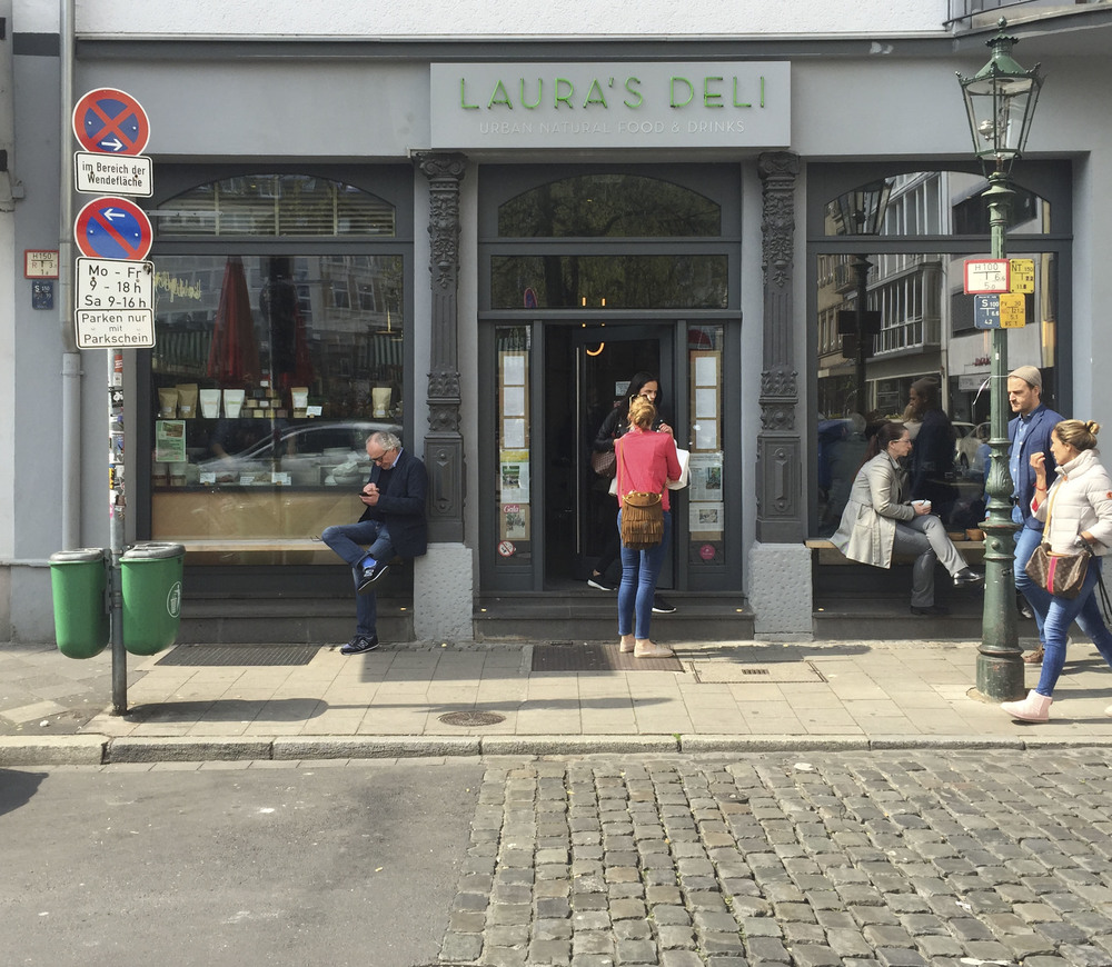 Laura's Deli, Healthy food Restaurant  Düsseldorf4215.jpg