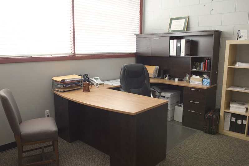 LARGE OFFICE 2ND LEVEL