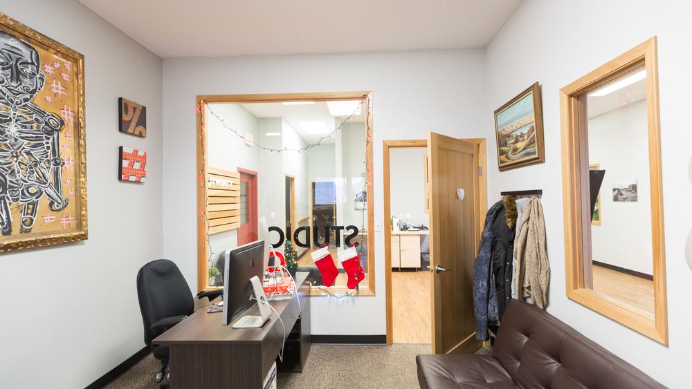 220 Office Photos 2015-1.jpg