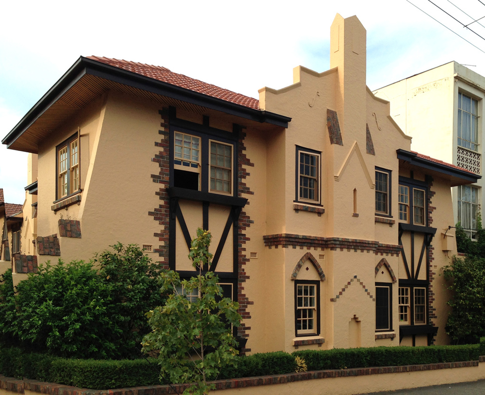 "1930s ""castle"" in Hotham Street"