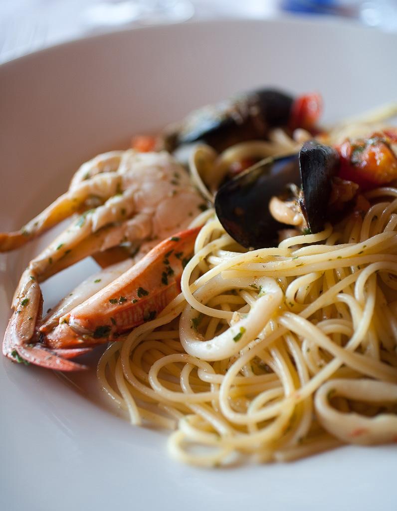 Spaghetti frutti di mare, Italy