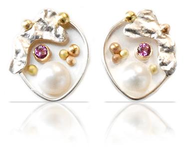 earrings_pearl1_sm.jpg
