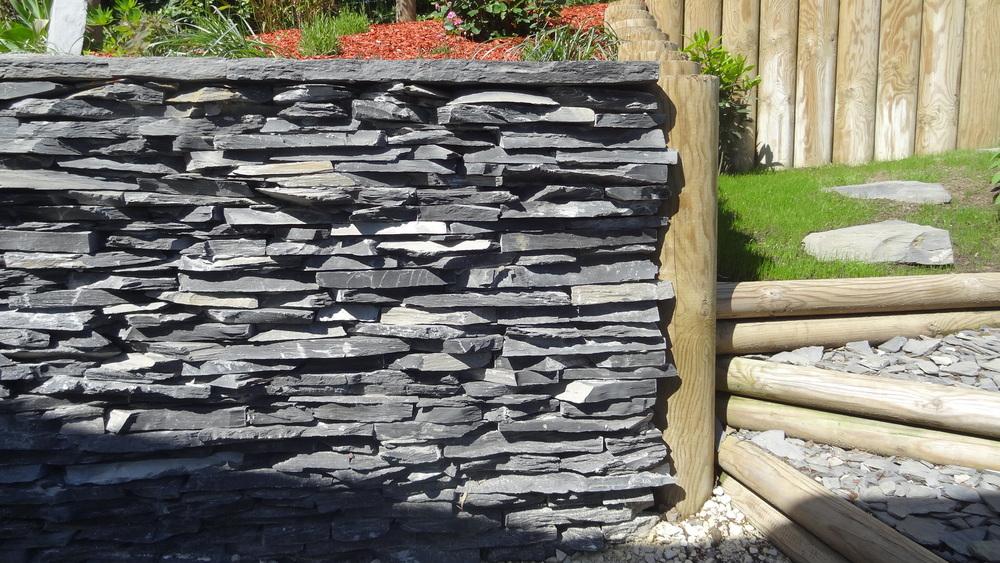 mur l .JPG