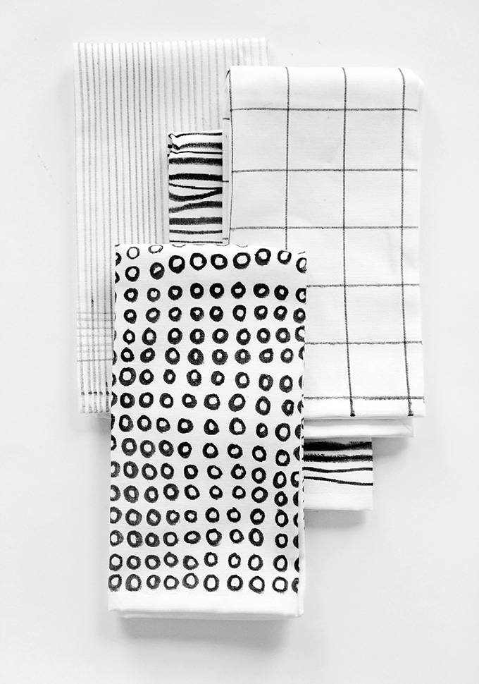 Black & White Printed Napkins