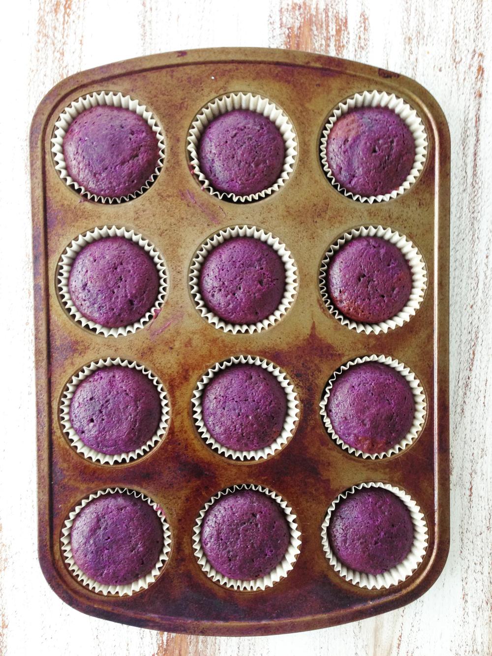 Skinny Purple Velvet Cupcakes & Cream Cheese Frosting — The Skinny ...