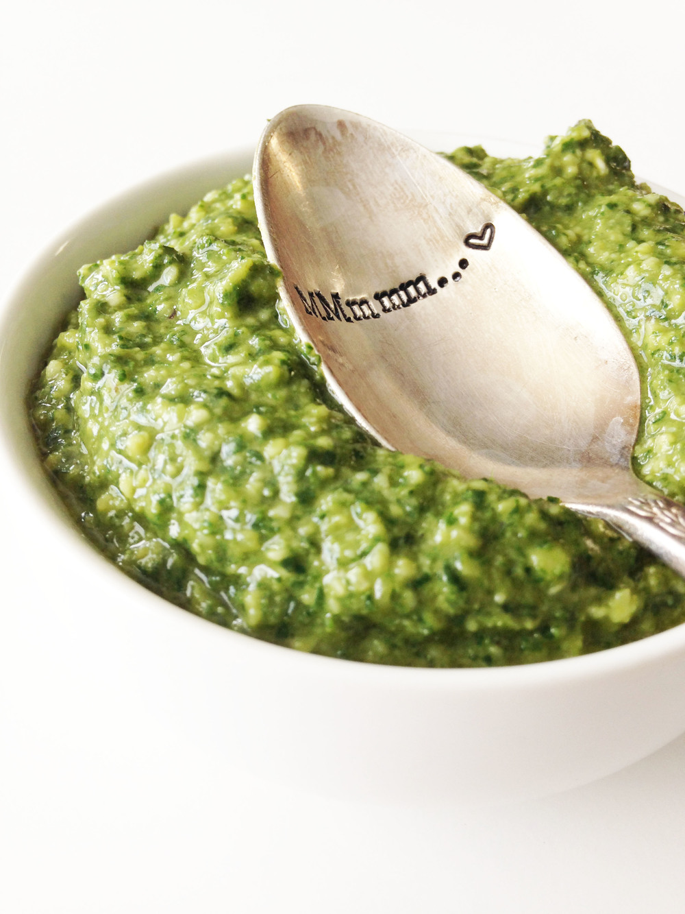Skinny Spinach & Basil Pesto — The Skinny Fork