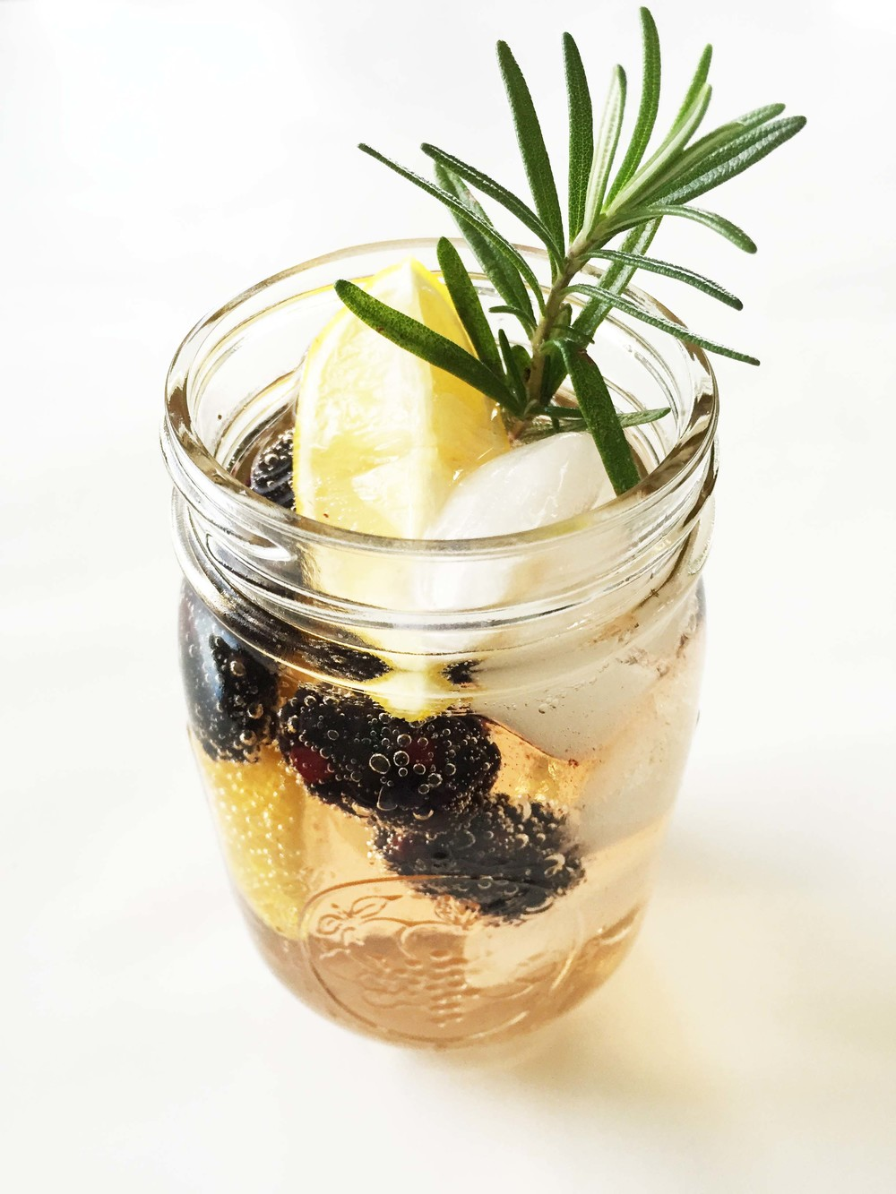 lemon-blackberry-spritzer.jpg