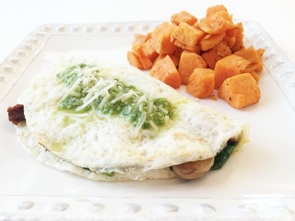Skinny Spinach & Sundried Tomato Omelette — The Skinny Fork