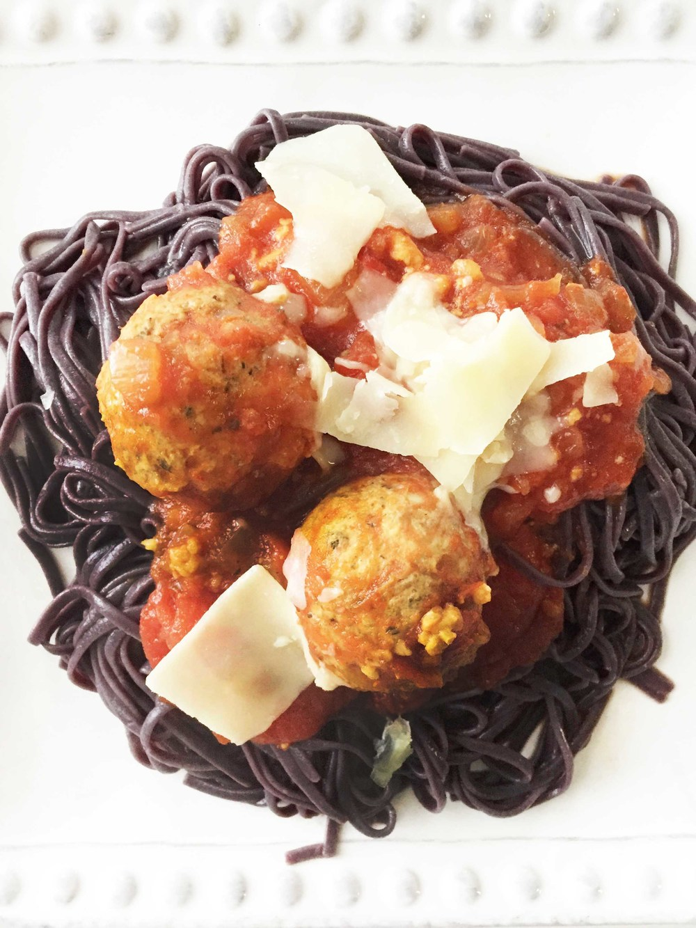 i was able to find some special black rice noodles to serve my scary meatballs over for that extra spooky halloween touch but regular spaghetti noodles - Scary Halloween Meatballs