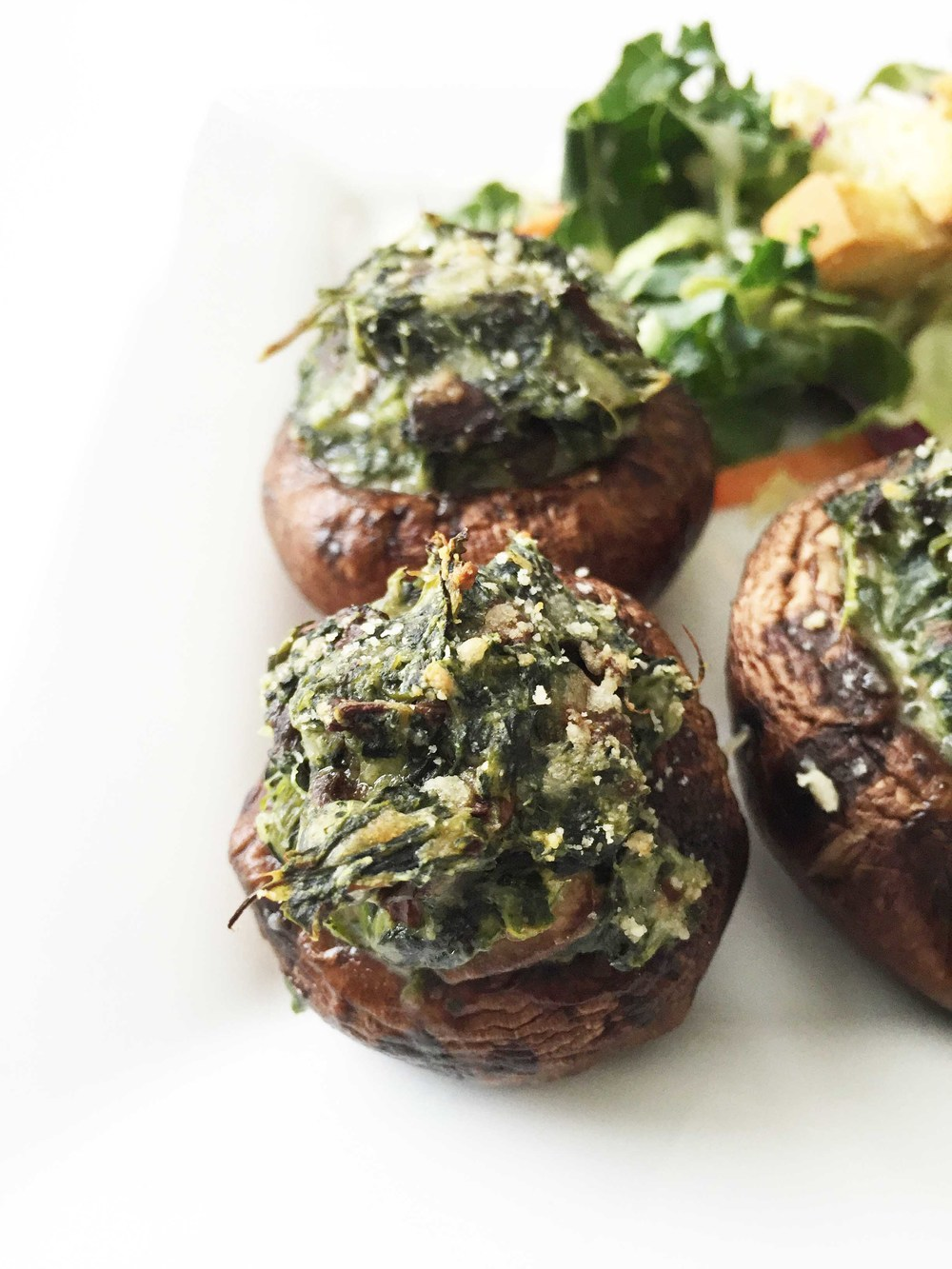 Skinny Spinach And Bacon Stuffed Mushrooms Recipe — Dishmaps