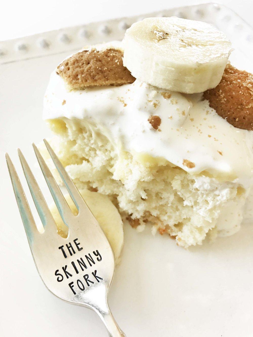 Skinny Banana Pudding Poke Cake — The Skinny Fork
