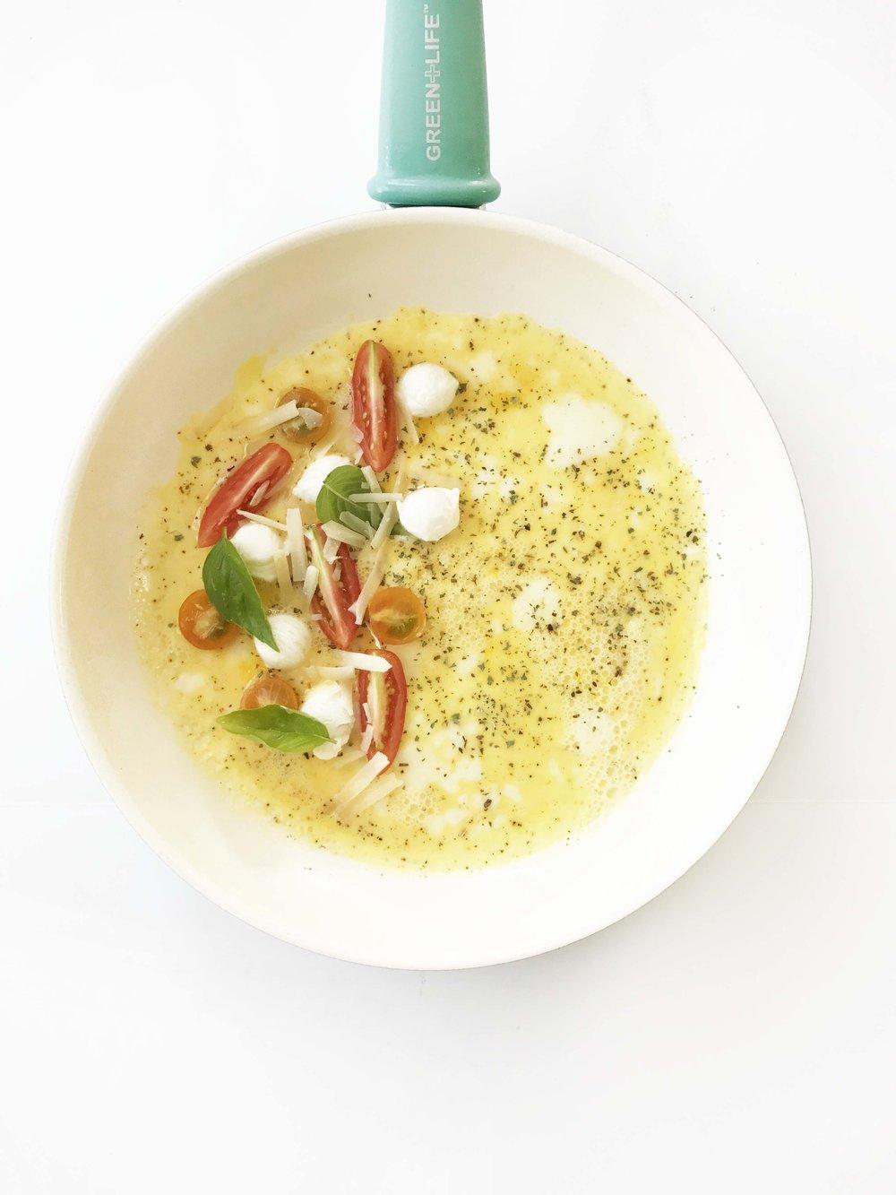 caprese-omelette2.jpg