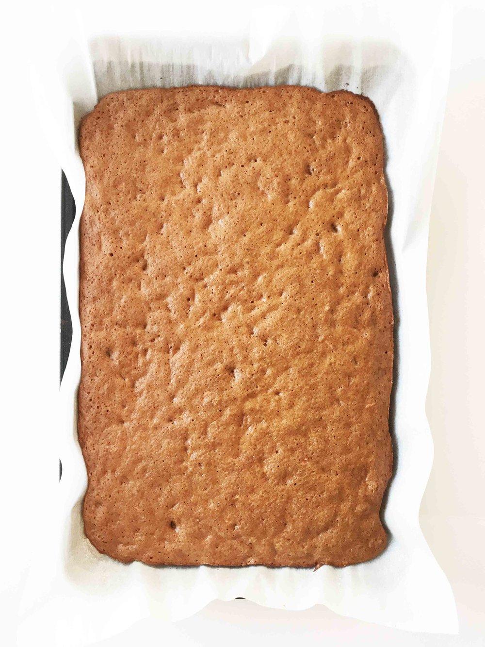 skinny-carrot-cake-roll3.jpg