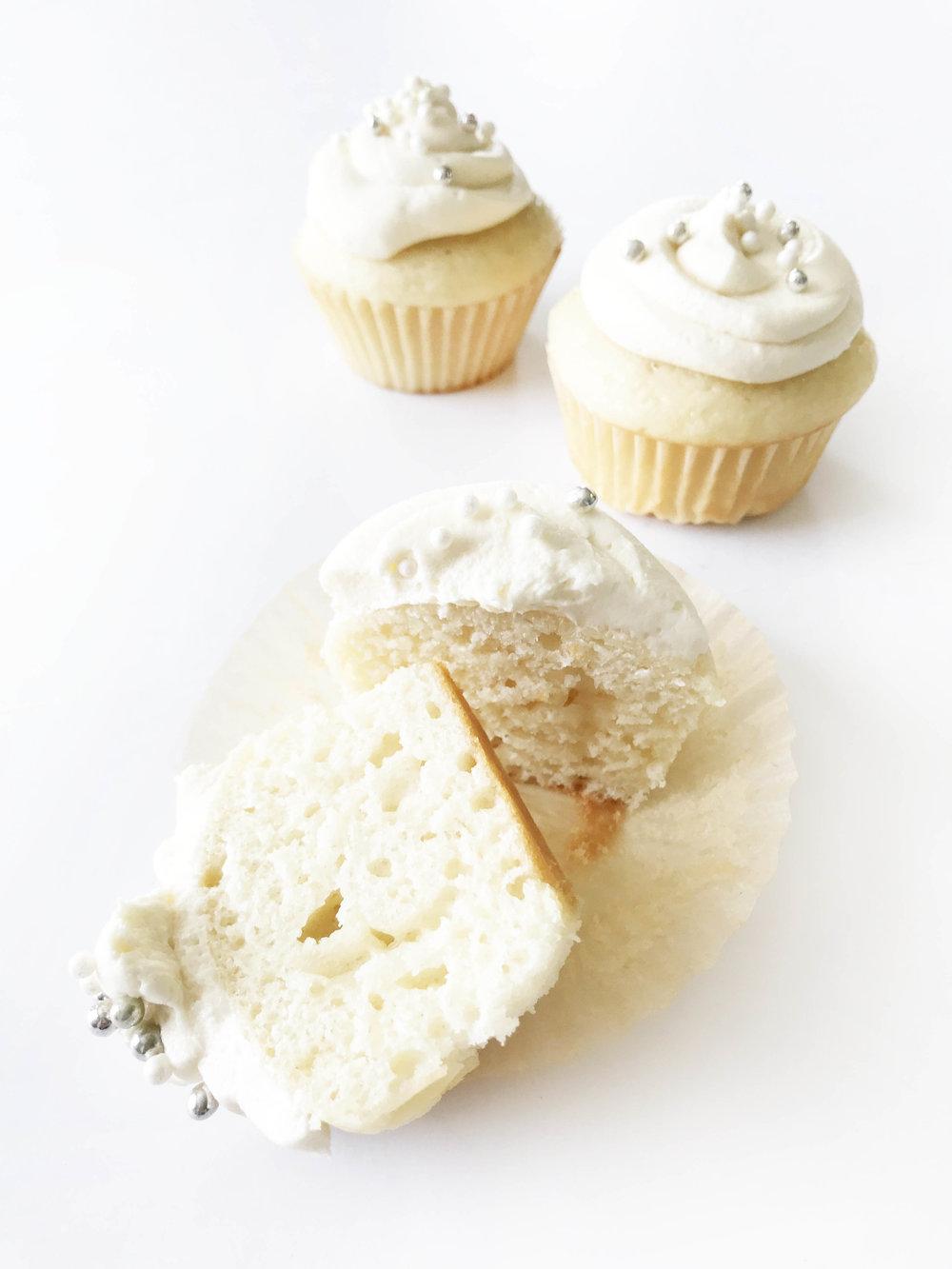 Skinny White Wedding Cupcakes — The Skinny Fork