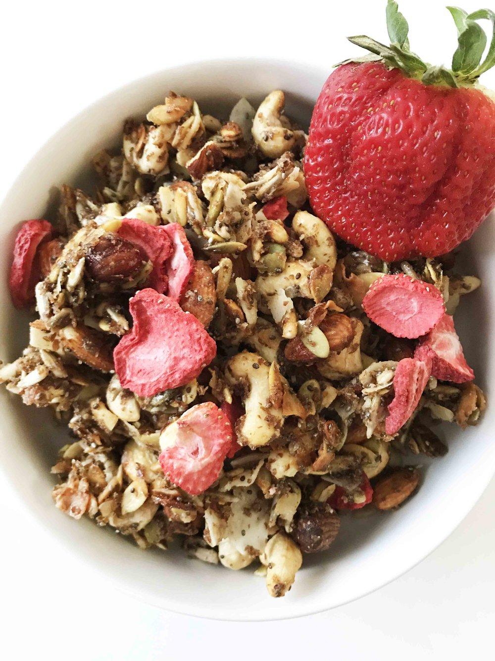 strawberry-granola10.jpg