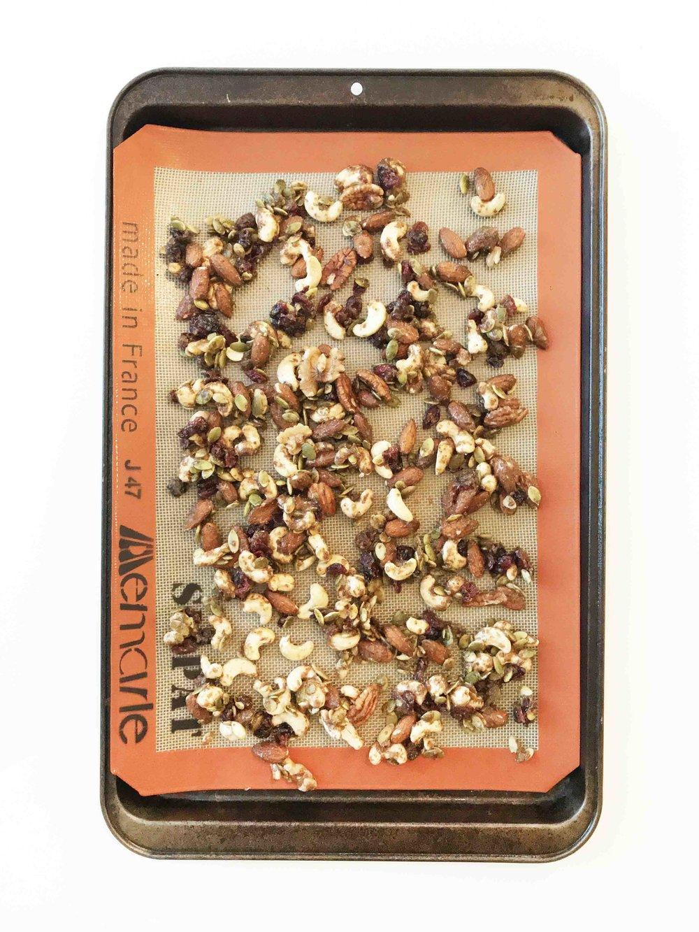 pumpkin-spice-granola3.jpg