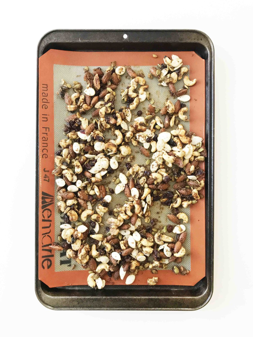 pumpkin-spice-granola5.jpg