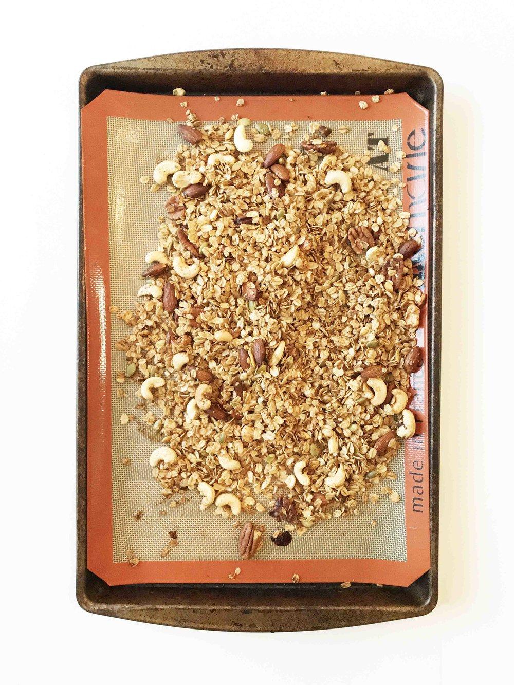 gingerbread-granola4.jpg